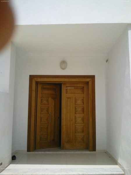 Annonce sur Affariat Tunisie pour: villa avec étage de 400 m2